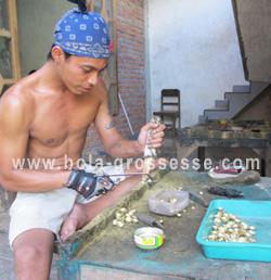 bola de grossesse artisanal indonésien